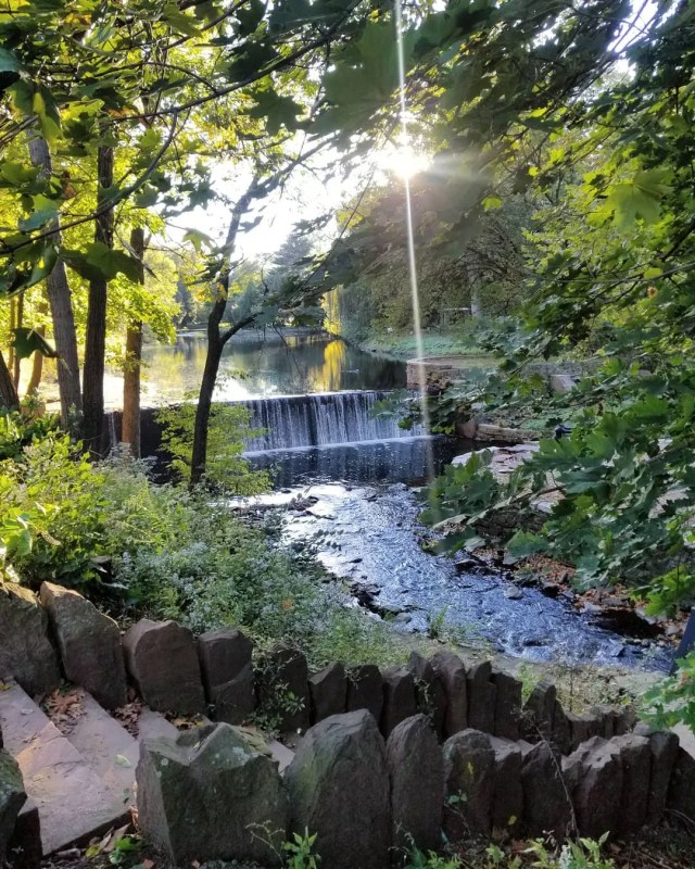 Waterfall at Kingsland Park in Clifton, NJ. Photo by Instagram user @natasha.bella