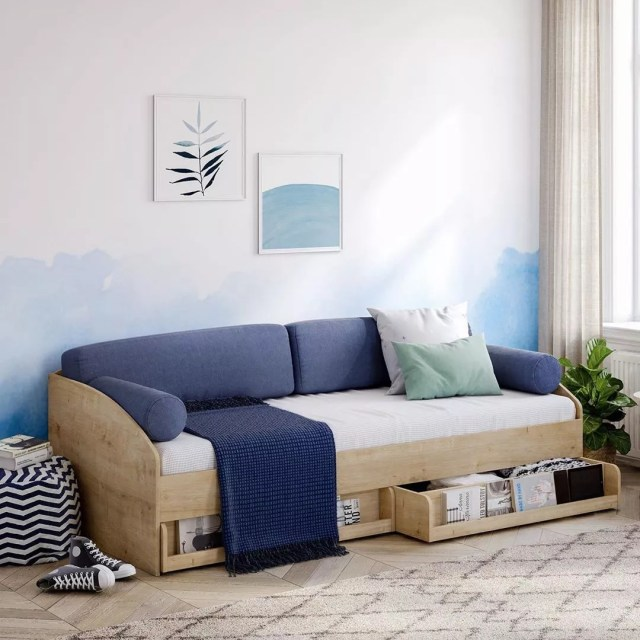 converted daybed with sliding storage underneath photo by Instagram user @cilekroom_detsky_nabytok