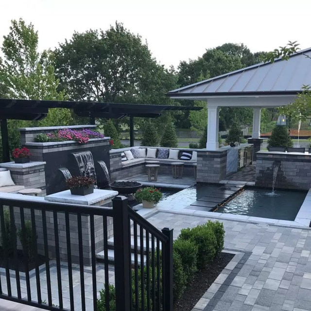 24 backyard water features for your outdoor living space
