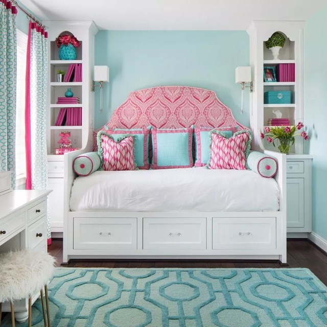 Teen Girls Bedroom with Bright, Vibrant Colors. Photo by Instagram user @gentryrainesinteriordesign