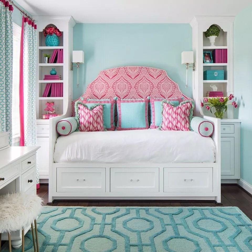 Teen Girls Bedroom with Bright, Vibrant Colors. Photo by Instagram user @gentryrainesinteriordesign