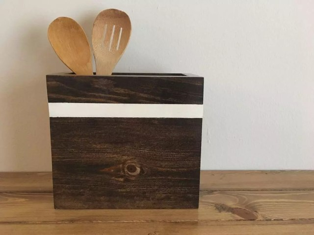 Wooden kitchen utensil storage. Photo by Instagram user @restoringhandmade
