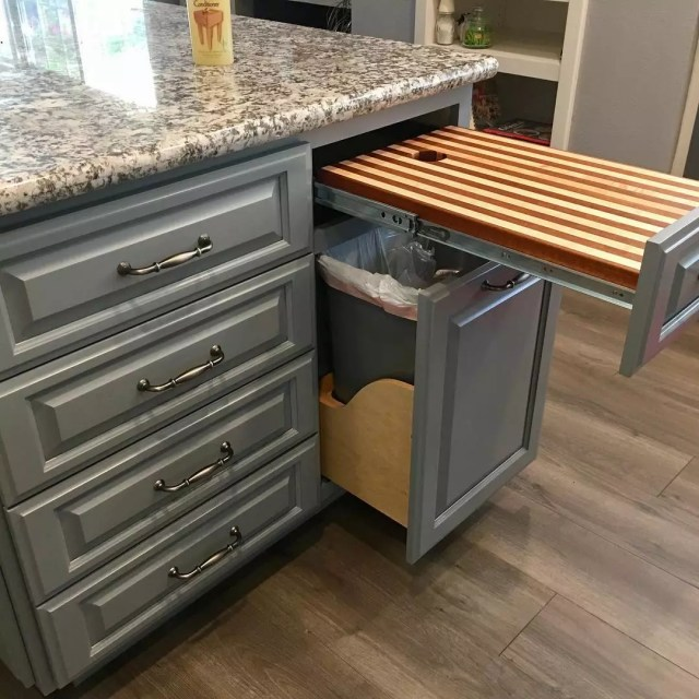 Hidden trash can and hidden cutting board. Photo by Instagram user @6_4buck85
