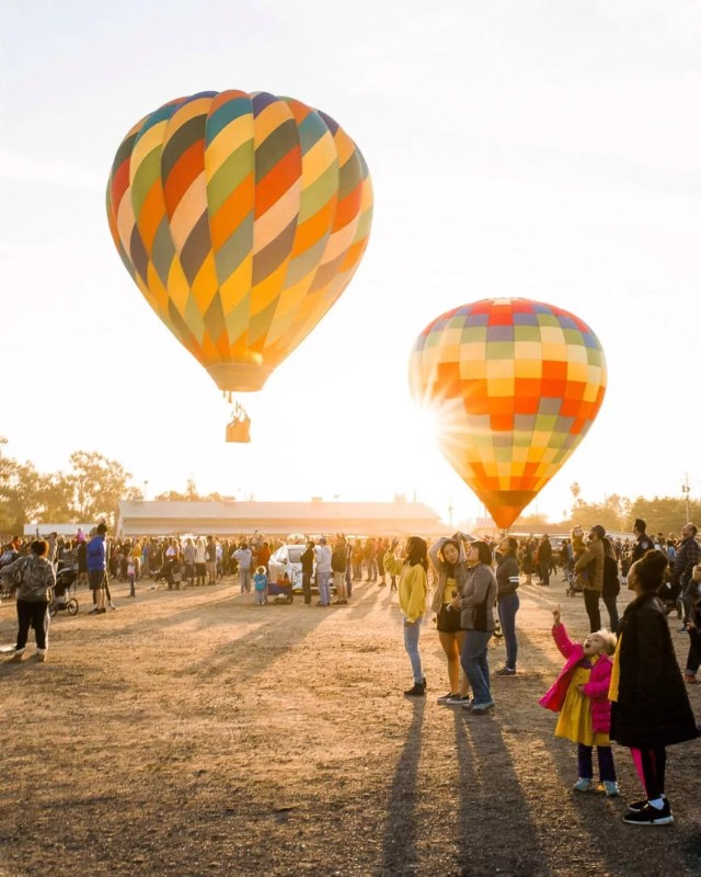 Two hot air balloons taking off in Clovis, CA. Photo by Instagram user @s.ligonde