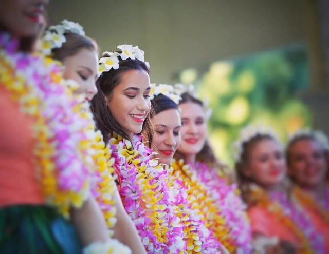 People Dressed Up in Traditional Hawaiian Attire at the Hawaiian Festival. Photo by Instagram user @renovatio_lucis