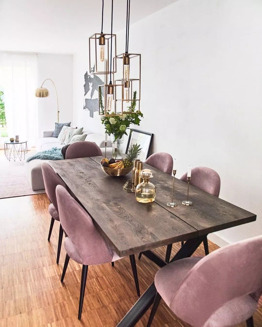 Modern Dining Room Connected to Living Room. Photo by Instagram user @westwing_es
