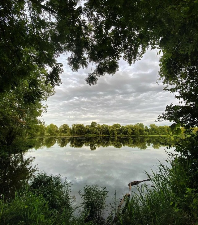 Photo of a lake a Three Creeks Metro Park. Photo by Instagram user @missanca