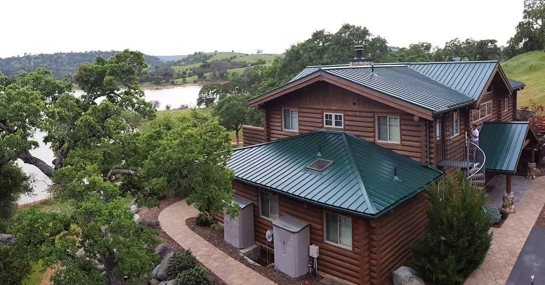 Metal roof for cool roofing on home. Photo by Instagram user @california_roof_coating