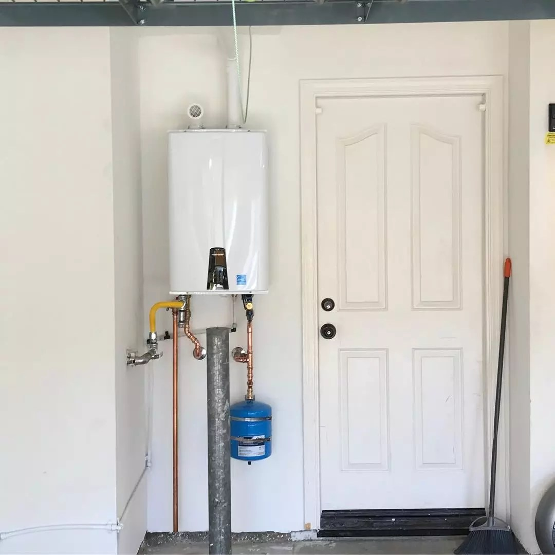 Tankless water heater. Photo by Instagram user @swiftwaterheater