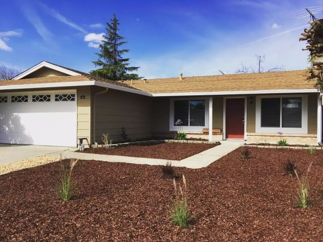 Tan house with large front yard in Berryessa, San Jose. Photo by Instagram user @classymsmarie