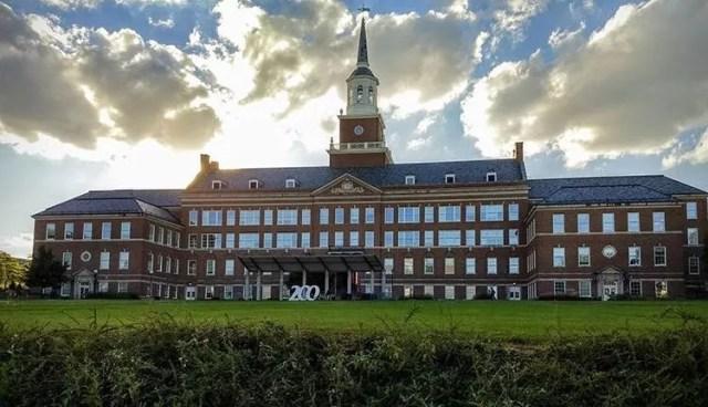 University of Cincinnati on a sunny day. Photo by Instagram user @uofcincy