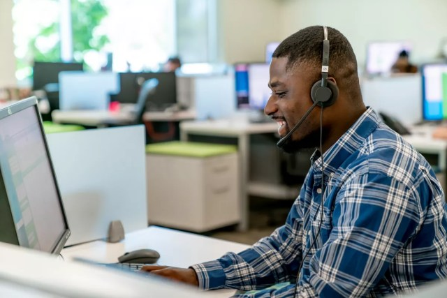 Extra Space Storage National Sales Center employee takes call from customer