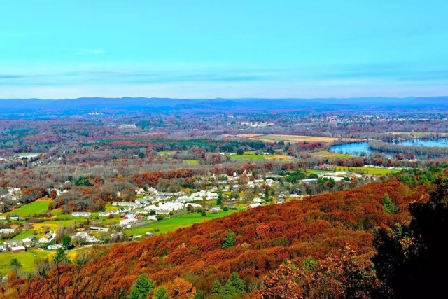 View of Easthampton, MA from Mount Tom State Recreation Park. Photo by Instagram user @salvan_photography