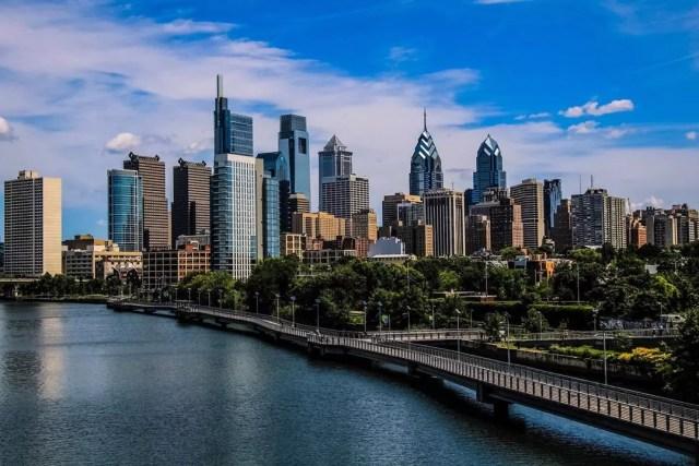 Skyline of buildings in Downtown Philadelphia. Photo by Instagram user @718mango