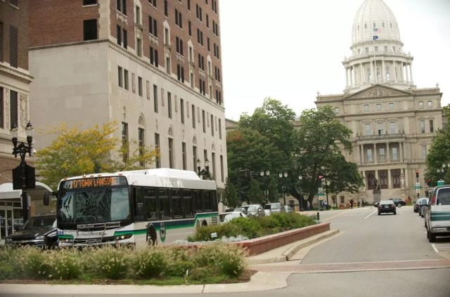 Lansing Michigan CATA Bus in Front of the State House. Photo by Instagram user @ridecata