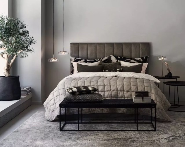 Minimalist Bedroom with Gray Walls. Photo by Instagram user @dis_inredning