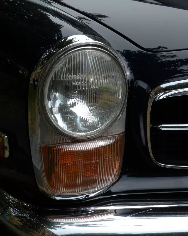 Black Classic Mercedes-Benz 280 SL Front Headlight. Photo by Instagram User @johan_pranger