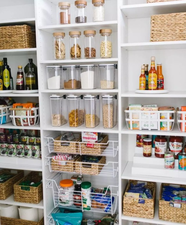 Well Organized Pantry at Home. Photo by Instagram user @joanna_organize