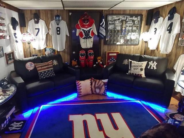 New York Yankees and New York Giants Fan Basement Setup. Photo by Instagram user @zipchair