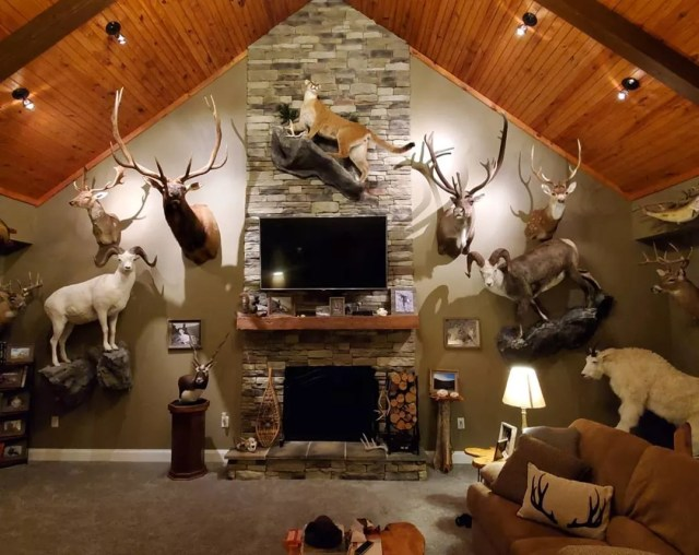 Man Cave Ideas How To Set Up A Man Cave At Home Extra Space Storage