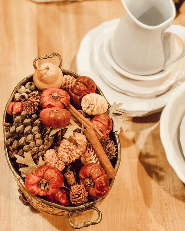 Home Made Potpourri On a Dining Table. Photo by Instagram user @simplyvintagebygayle