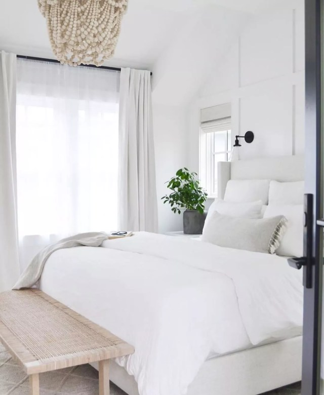 All White Bedroom with White Linens. Photo by Instagram user @simplifycohost