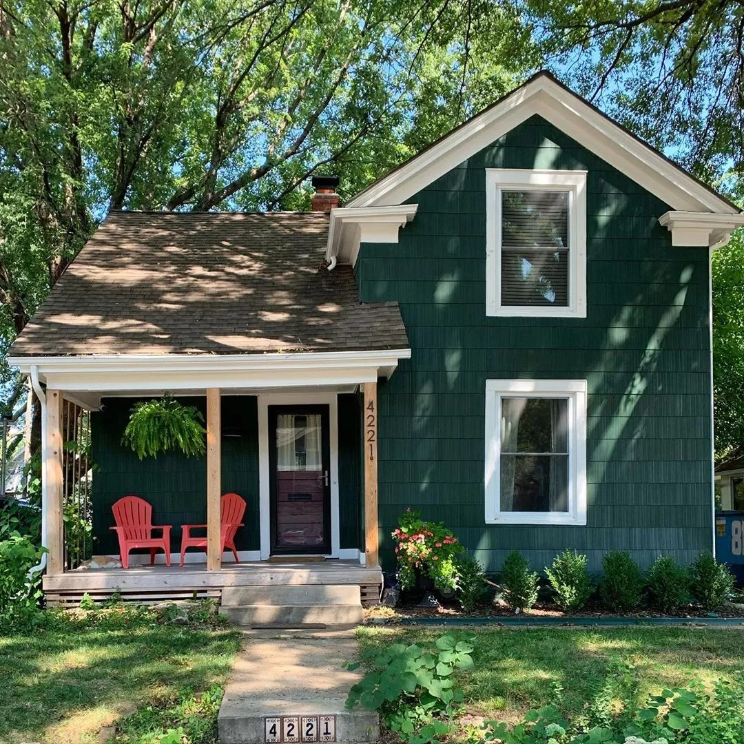 Green Craftsman Style Home in Volker, KCMO. Photo by Instagram user @clairemcfarlandkc