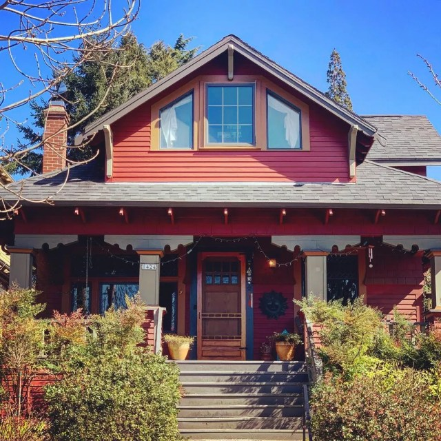 Craftsman Style Home Painted Red in Mount Tabor, Portland. Photo by Instagram user @yomariloveshouses