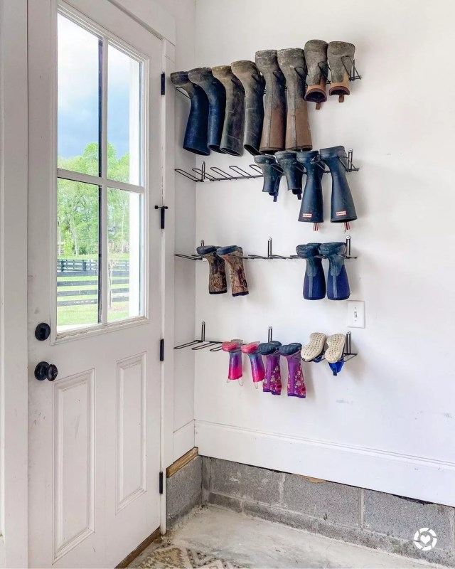 Boot rack hanging in garage. Photo by Instagram User @typealifestylecompany