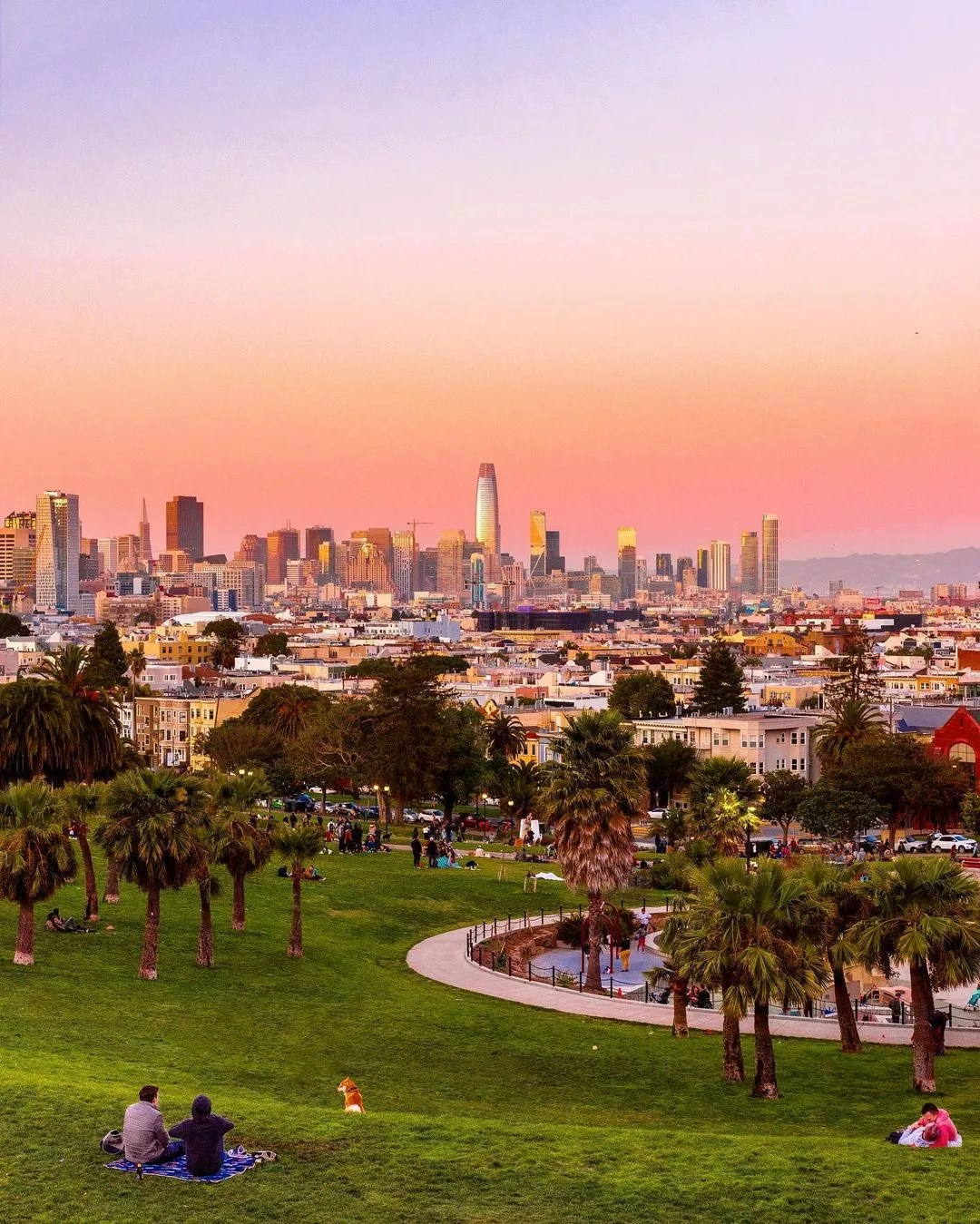 Skyline of San Francisco at sunset shot from Dolores Park. Photo by Instagram User @the415guy
