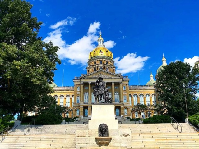 The Iowa Capitol Building with Golden Dome. Photo by Instagram User @iowacapitol