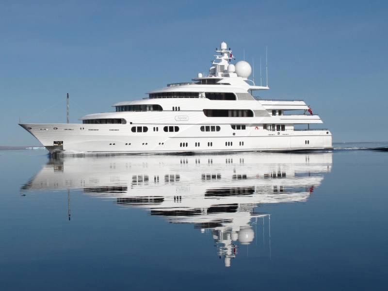 Lurssen Motors Yacht Apoise Go Up For Auction EXtravaganzi