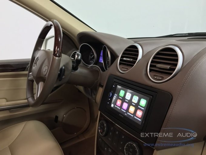Mercedes GL350 Radio with Apple CarPlay for Midlothian Client