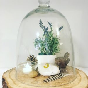 bell dome jar centrepiece extremely lovely weddings