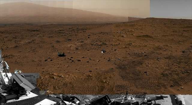 Curiosity gigapixel panorama of Mars, Gale Crater, cropped