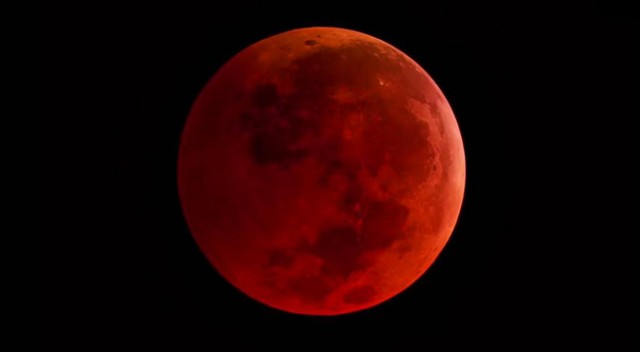 'Blood Moon' Full Moon Lunar Eclipse Oct 8