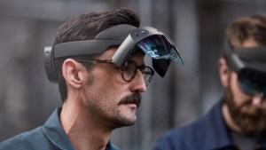 HoloLens-2-Worn