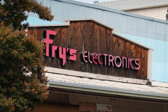 Fry's Electronics captured with a Sony RX100 VII Zoomed in to 200mm