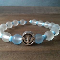 Handmade white-blue anchor beaded bracelet