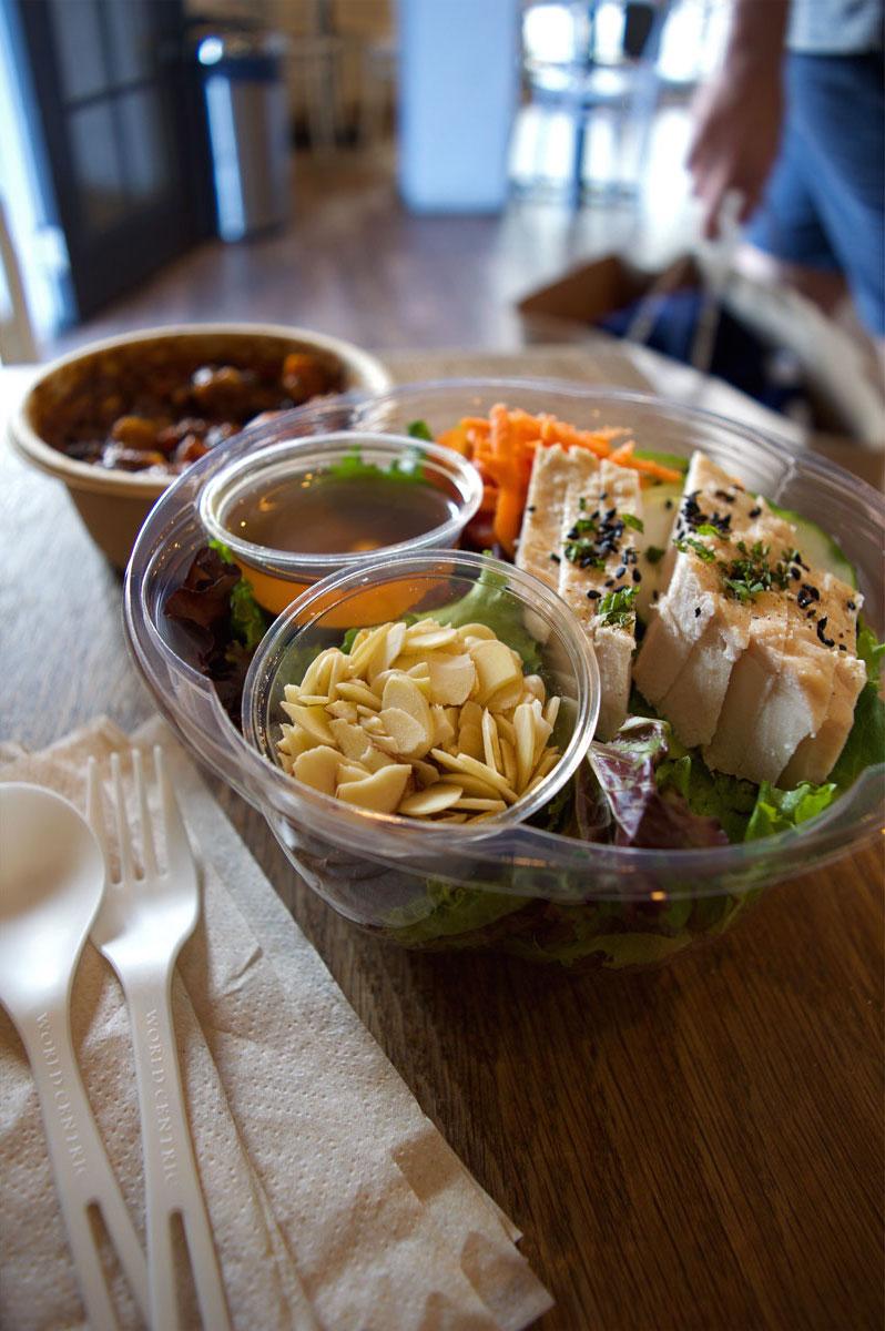 Tucker & Bevvy, organic salad