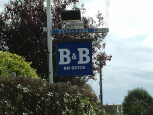 bed_breakfast_signage
