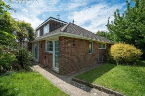 Newlands Road, Purbrook, PO7 5NF