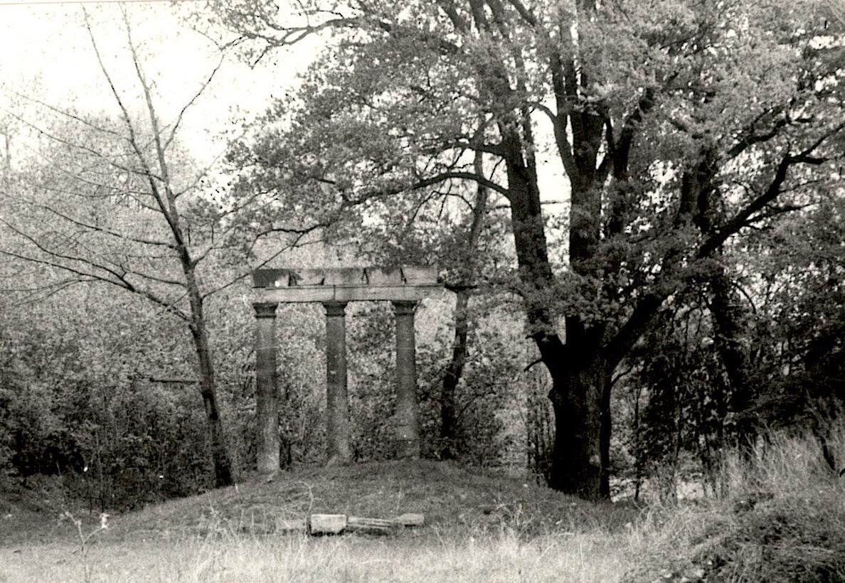 1984 Ruine Lindenallee