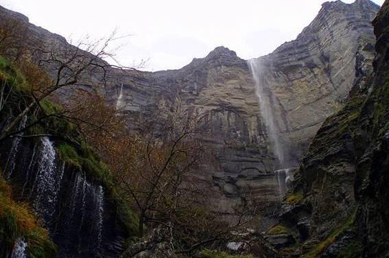 El karst de Monte Santiago, Sierra Salvada y Sierra de la Carbonilla