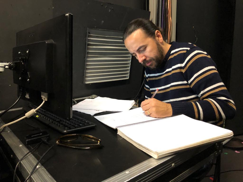 Ezekiel Montes reescribe el guion durante el rodaje