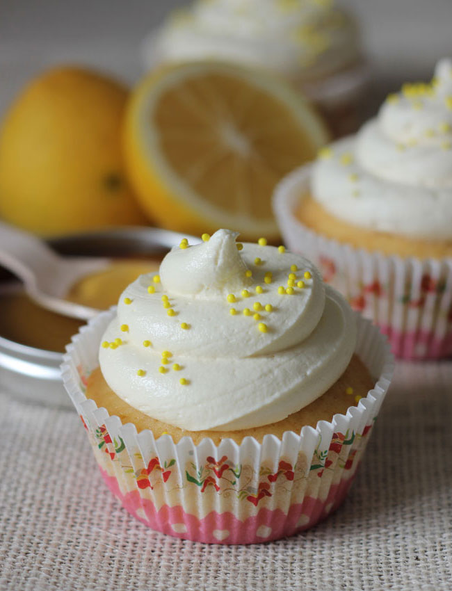 honey-and-lemon-cupcakes_2