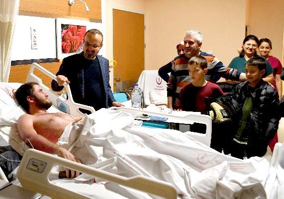 Turan'dan Devlet Hastanesinde Yatan Hastaları Ziyaret Etti