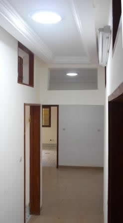 éclairage du couloir avec lumière naturelle