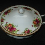 vintage royal Albert old country rose tureen