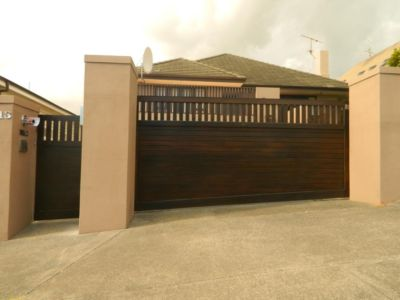 Residential - Wooden Gates - 7